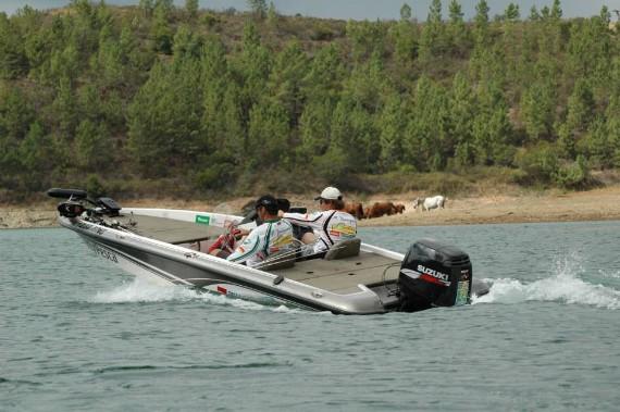 Embarcación pesca Black bass